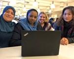 Tre VO-deltakere og en VO-lærer