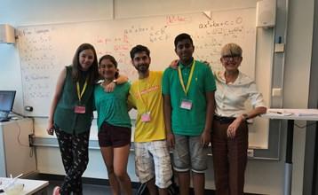 Vitenskap på engelsk og tjuvstart med matematikk på videregående – dette er også Sommerskolen i Oslo